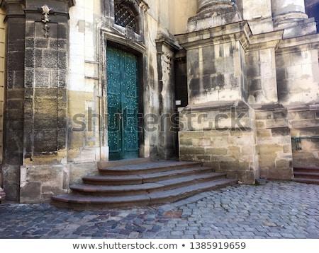 Vista edad fachada histórico católico iglesia Foto stock © artjazz