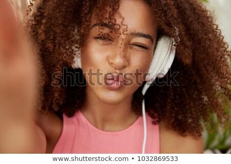 nevetséges · nő · fej · nagy · fülhallgató · iroda - stock fotó © rob_stark