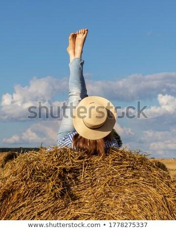 Menina palha jovem céu feliz cabelo Foto stock © digoarpi
