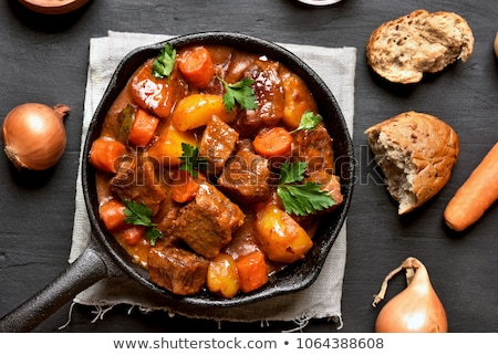 Marhahús kenyér tál friss szeletek vacsora Stock fotó © Digifoodstock