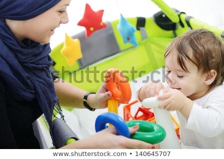 Musulmanes madre jugando pequeño bebé Foto stock © zurijeta