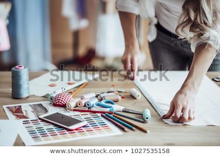 femminile · ragazza · lavoro · workshop · sorridere · business - foto d'archivio © deandrobot