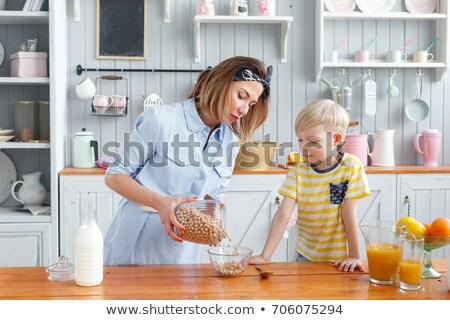 матери зерновых мальчика завтрак Испания Сток-фото © IS2
