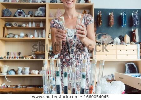Nő hobbi mutat kamerába bolt fiatal Stock fotó © Kzenon
