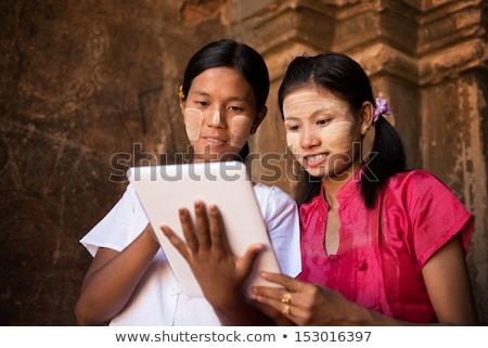 kettő · boldog · tinilányok · touchpad · számítógép · táblagép - stock fotó © szefei