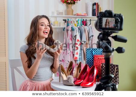 Kadın moda blogger blog alışveriş Stok fotoğraf © dolgachov