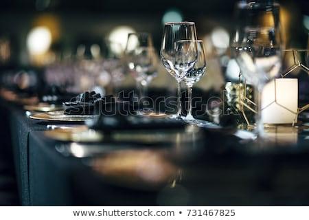 Lujo gafas establecer restaurante mesa blanco negro Foto stock © ABBPhoto