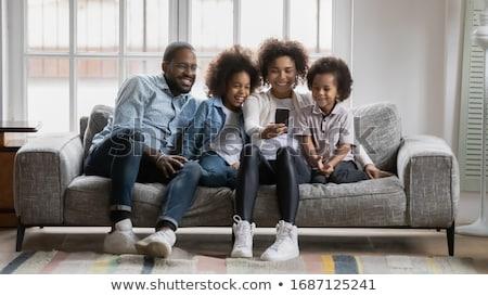Stockfoto: Halfbloed · familie · telefoon · camera · foto