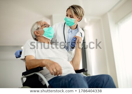 Kobiet lekarza starszy człowiek dom starców kobieta Zdjęcia stock © wavebreak_media