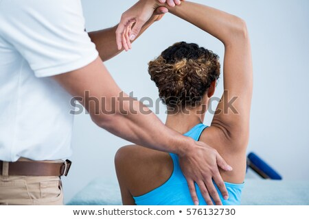 spalla · massaggio · femminile · paziente · clinica · donna - foto d'archivio © andreypopov