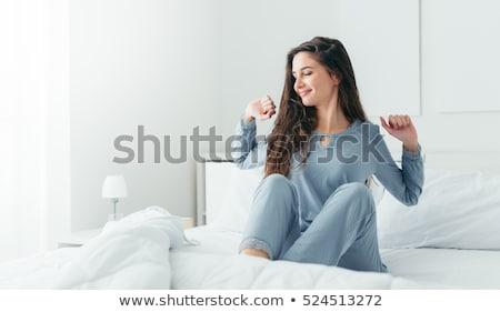 nő · felfelé · hálószoba · arc · haj · egészség - stock fotó © wavebreak_media