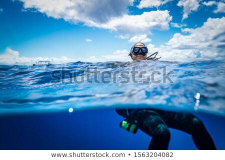 Plongeur surface eau signal Photo stock © Discovod