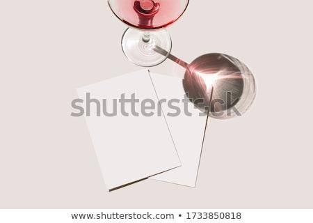 Carto de visita vermelho papel projeto contato foto foto stock carto de visita vermelho papel projeto contato blank business card mockup on red background reheart Gallery