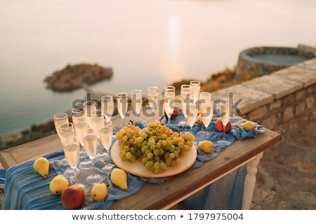 Bruiloft bril champagne banket zonsondergang verjaardag Stockfoto © ruslanshramko