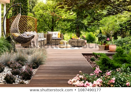 Terrasse jardin bois meubles plantes bâtiment Photo stock © brebca