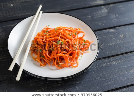 Picante ensalada Asia estilo zanahorias ajo Foto stock © Melnyk