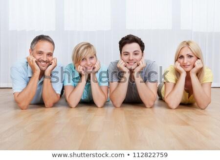 sorridere · famiglia · piano · soggiorno · faccia · amore - foto d'archivio © get4net