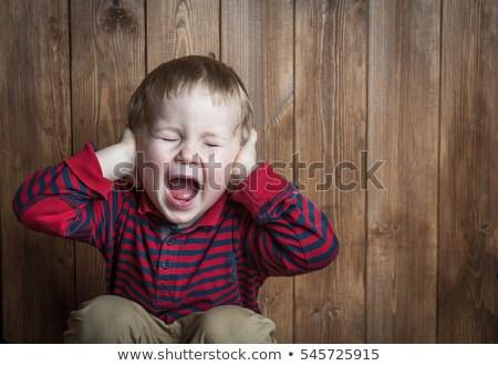 Foto stock: Bonitinho · menino · raiva · isolado · branco · crianças
