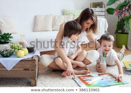 kettő · kicsi · fiútestvérek · otthon · olvas · könyvek - stock fotó © NeonShot