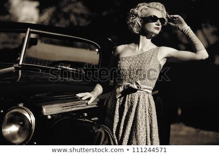 vintage · donna · retro · auto · rosa · foto - foto d'archivio © amok