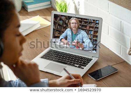 Gençler bakıyor bilgisayar ekranı çalışmak teknoloji grup Stok fotoğraf © photography33