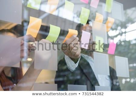 ビジネスマン · 見える · 接着剤 · ノート · ガラス · 壁 - ストックフォト © tommyandone