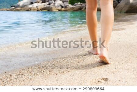 lány · fehér · bikini · sétál · tengerpart · szalmakalap - stock fotó © sophiejames