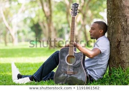 черно · белые · фотография · сидящий · рок · катиться · человека - Сток-фото © feedough