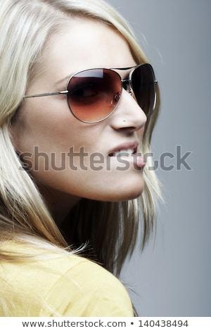девушки · губа · фигурные · скобки · красные · губы · женщину · улыбка - Сток-фото © gregorydean