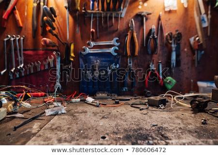 Salissant table atelier vieux métal rouillée Photo stock © hamik
