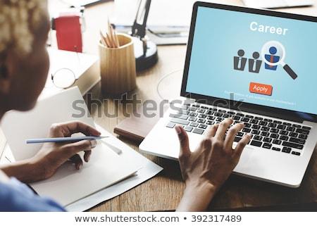 Imprenditrice firma sito computer vista laterale giovani Foto d'archivio © AndreyPopov