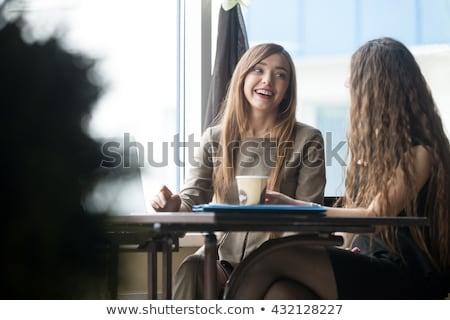 Dois jovem feliz casual empresárias estudantes Foto stock © pressmaster