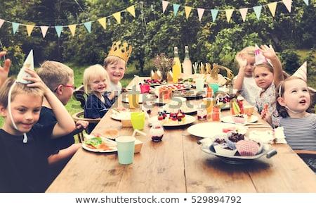 boldog · testvérek · szórakozás · születésnapi · buli · otthon · család - stock fotó © wavebreak_media