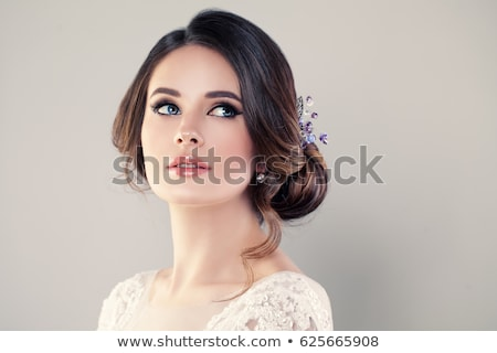 красивой · брюнетка · женщину · букет · позируют · подвенечное · платье - Сток-фото © zdenkam