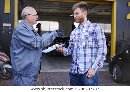 Szerelő slusszkulcs kéz férfi munkás bolt Stock fotó © Minervastock