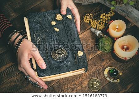женщину · рецепт · книга · продовольствие · работу · кухне - Сток-фото © studiofi