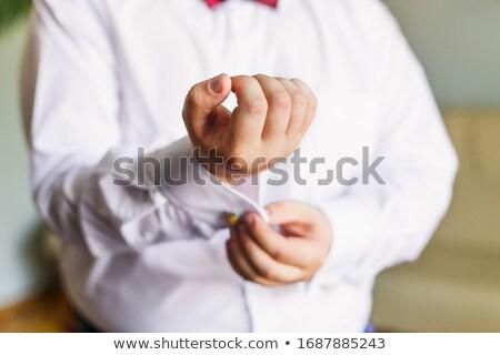 bruidegom · manchetknopen · shirt · kamer · handen · hand - stockfoto © ruslanshramko