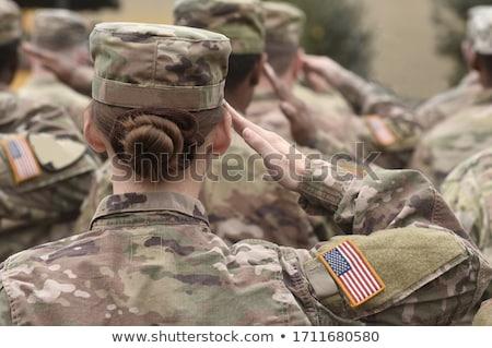 katona · amerikai · zászló · hátsó · nézet · égbolt · személy · vidék - stock fotó © andreypopov
