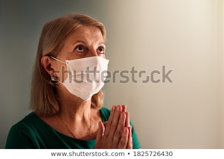Modlić koronawirus wsparcia ludzi czasu religijnych Zdjęcia stock © Zsuskaa