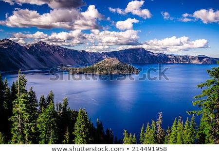 cratera · lago · trilha · marrom · verde · montanhas - foto stock © hofmeester