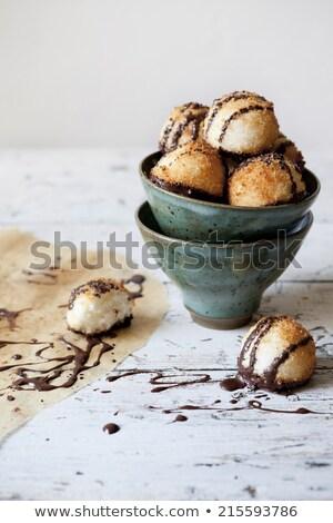 チョコレート バニラ 豆 白 ケーキ プレート ストックフォト © raptorcaptor
