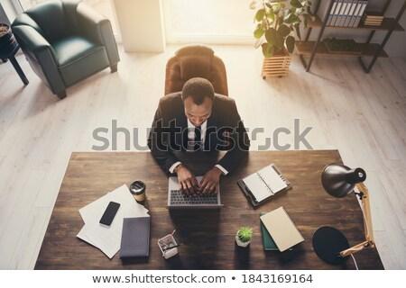 Młodych biznesmen posiedzenia wysoki drewniane krzesło przystojny Zdjęcia stock © d13