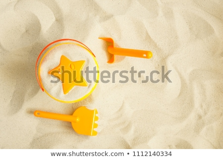 strand · emmer · spades · Geel · focus · zand - stockfoto © elinamanninen