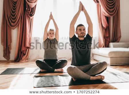 mutlu · çift · yoga · meditasyon · açık · havada · uygunluk - stok fotoğraf © hasloo