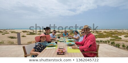 familie · dining · voedsel · wijn · man - stockfoto © monkey_business