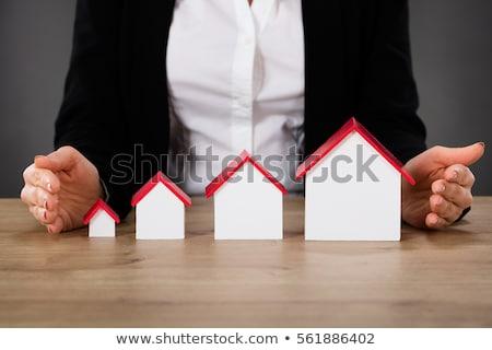 Inny rozmiar domu modeli biurko czerwony Zdjęcia stock © AndreyPopov