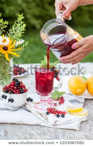 kırmızı · frenk · üzümü · fincan · karpuzu · ahşap · masa · ahşap - stok fotoğraf © manaemedia