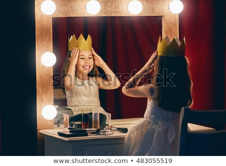 Nina corona reina traje ilustración mujer Foto stock © lenm