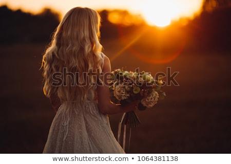 Stockfoto: Jonge · vrouw · trouwjurk · permanente · Maakt · een · reservekopie