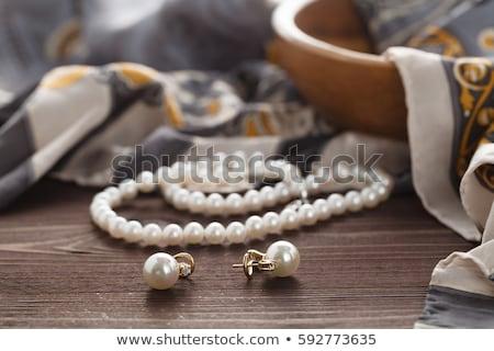 femme · perle · perles · portrait · jeunes · belle - photo stock © zastavkin